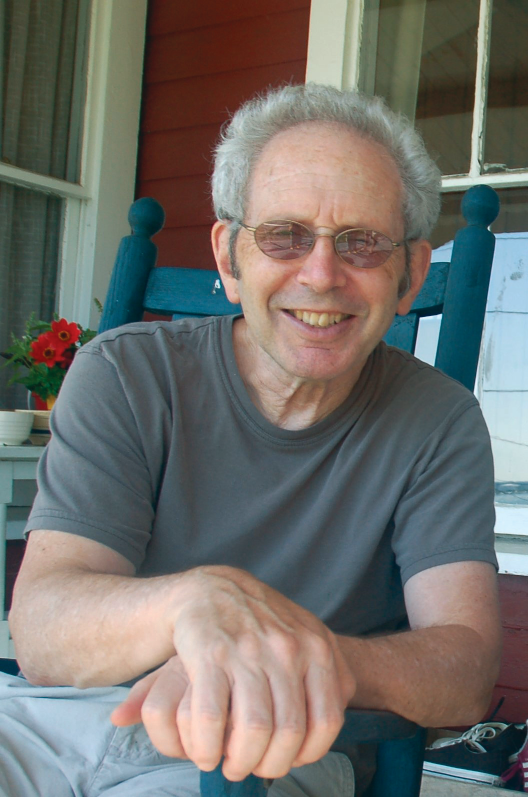 Talking With Peter Guralnick About <i>Looking to Get Lost</i>