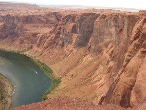 Man Falls to His Death at Horseshoe Bend