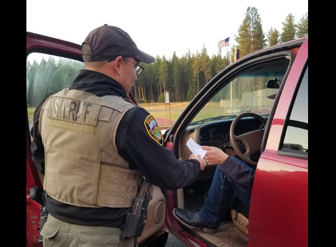 Teen drivers rewarded for safe driving at Cle Elum-Roslyn High School 1