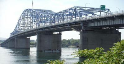 Lane closures on US 395 Blue Bridge to cause delays for drivers next week