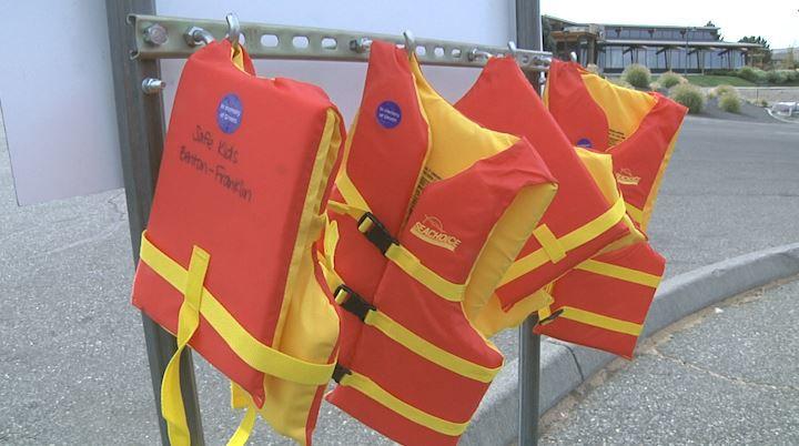 life jackets 2