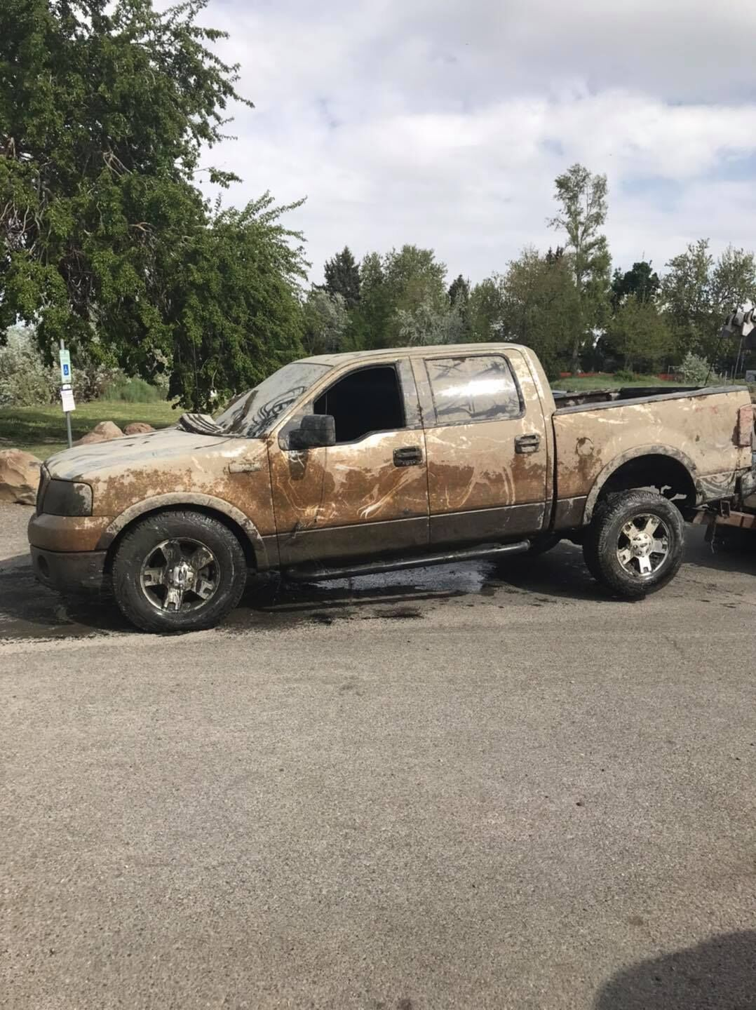 Boater finds truck in the Columbia River that was stolen 5 years ago 1