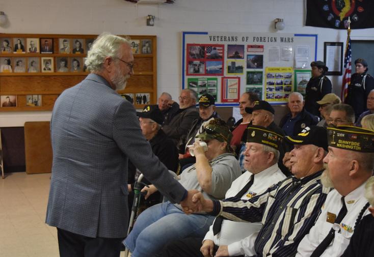 Newhouse honors Vietnam veterans in Sunnyside 2