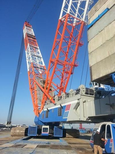Lampson in Pasco Builds World's Largest Twin Crawler Mobile Crane