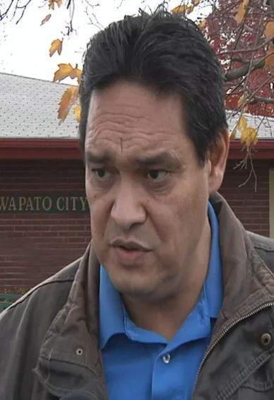 Wapato mayor reselected; City Administrator position added