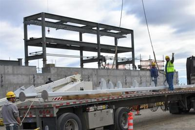 Hanford receives 40-ton steel tower to keep Vit Plant on pace