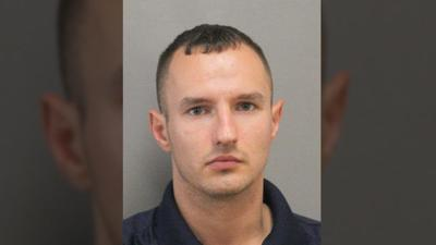 Man impersonating cop pulls over van full of detectives, police say