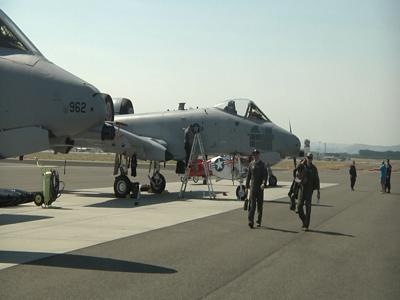 Pilots prepare for drive-in air show over Columbia River