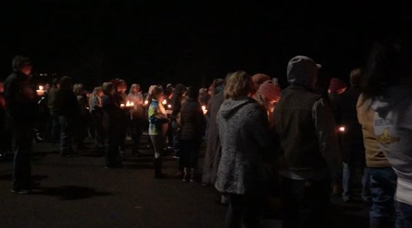 Candlelight vigil held for murder-suicide victims in Selah