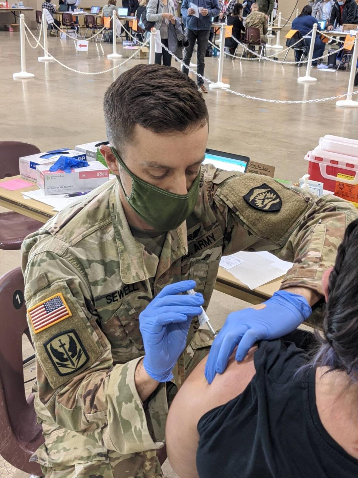 2 Oregon National Guard joins Salem Health to vaccinate Oregonians