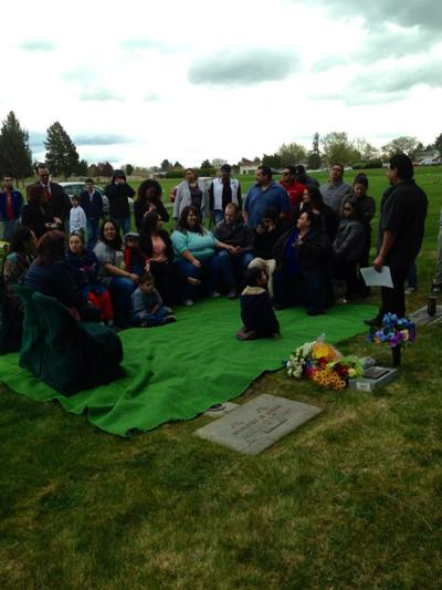 Kennewick Thrift Store Owner Buys First Headstone for Family