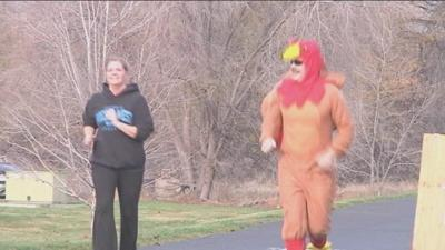 Annual Turkey Trot Burns Thanksgiving Calories For A Cause