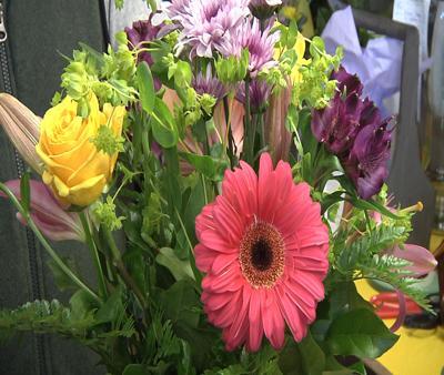 Selah flower shop gets a new owner