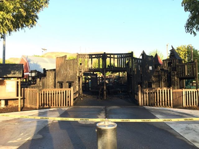 Fire burns park in Hermiston