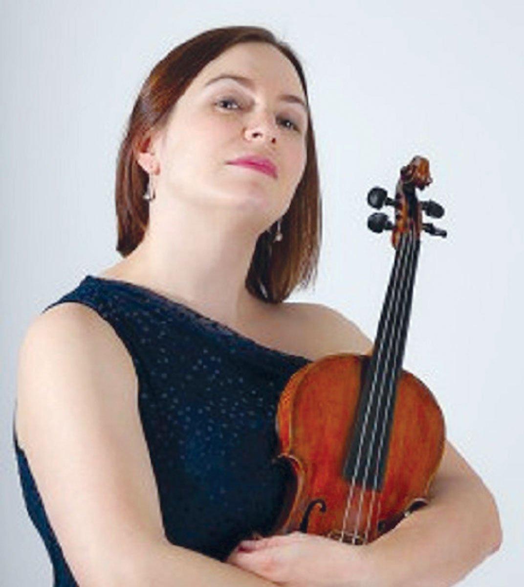 Newport-Symphony-opens-season-casey-bozell-2