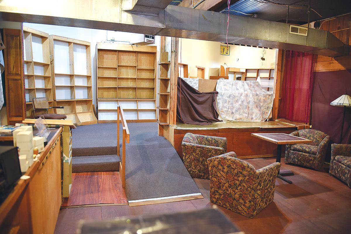 canyon-way-empty-bookshelves