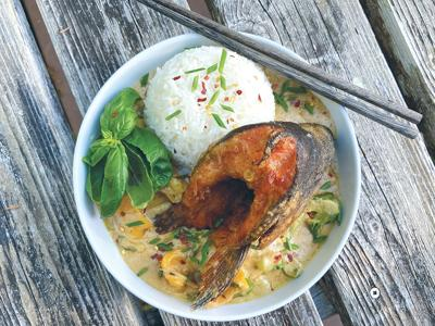 Crispy Salmon Head Curry