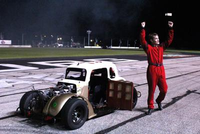 Hicks Rebounds to win Title.jpg