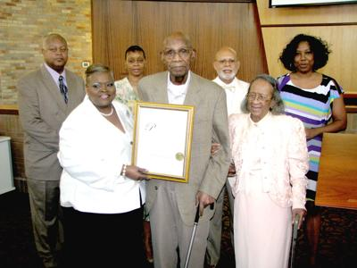 Saluting a local hero: Riverdale honors oldest Tuskegee Airman
