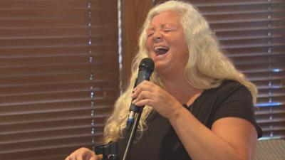 Grandmother uses quarantine karaoke to launch a singing career