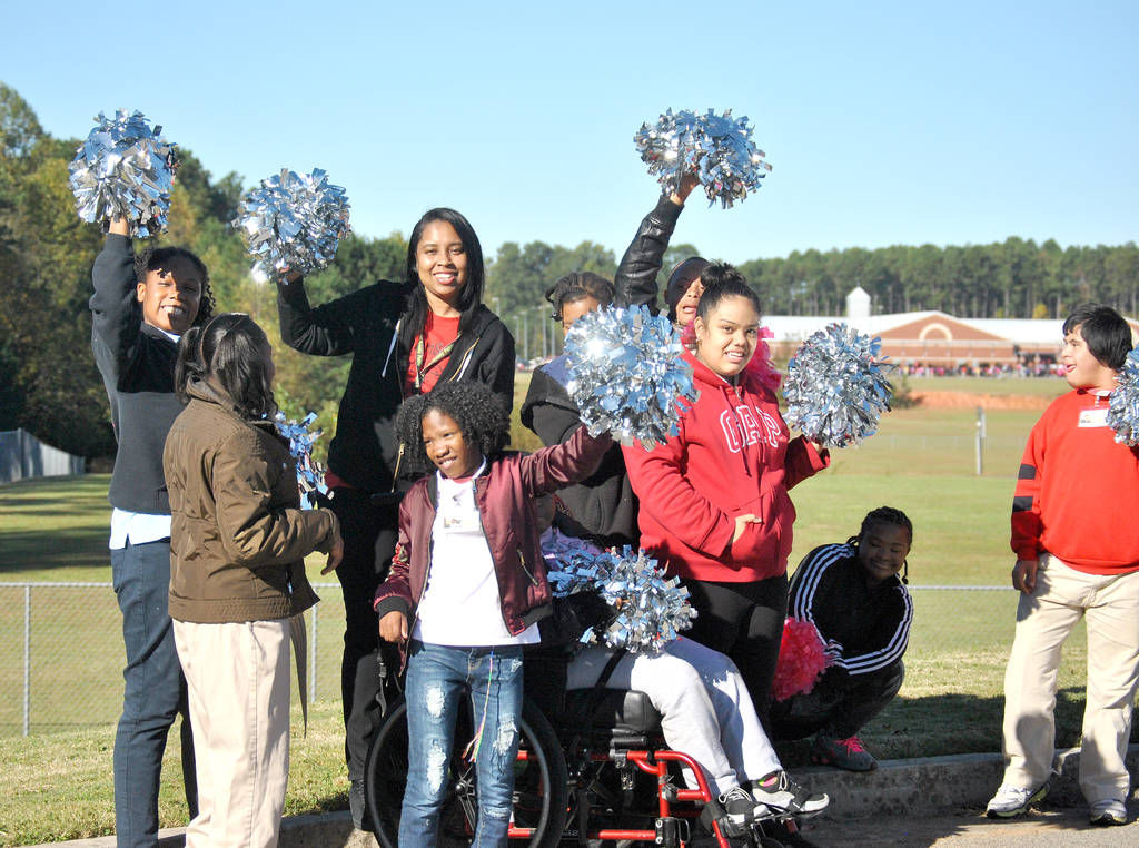 Kendrick Middle celebrates Red Ribbon Week with parade