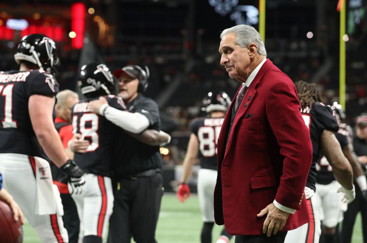 Report Nfl 2021 Salary Cap To Shrivel Due To Covid 19 Sports News Daily Com