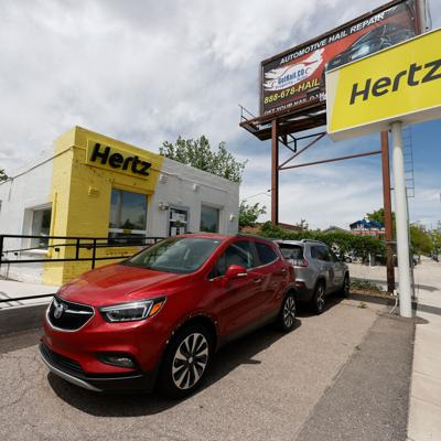 Hertz sold $29 million in stock despite SEC questions