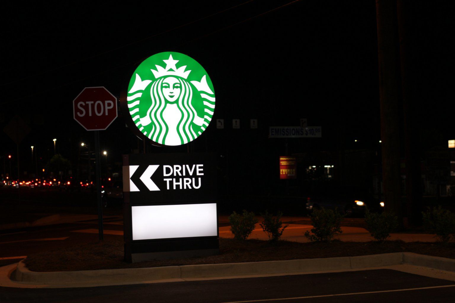 Starbucks comes to Tara Boulevard
