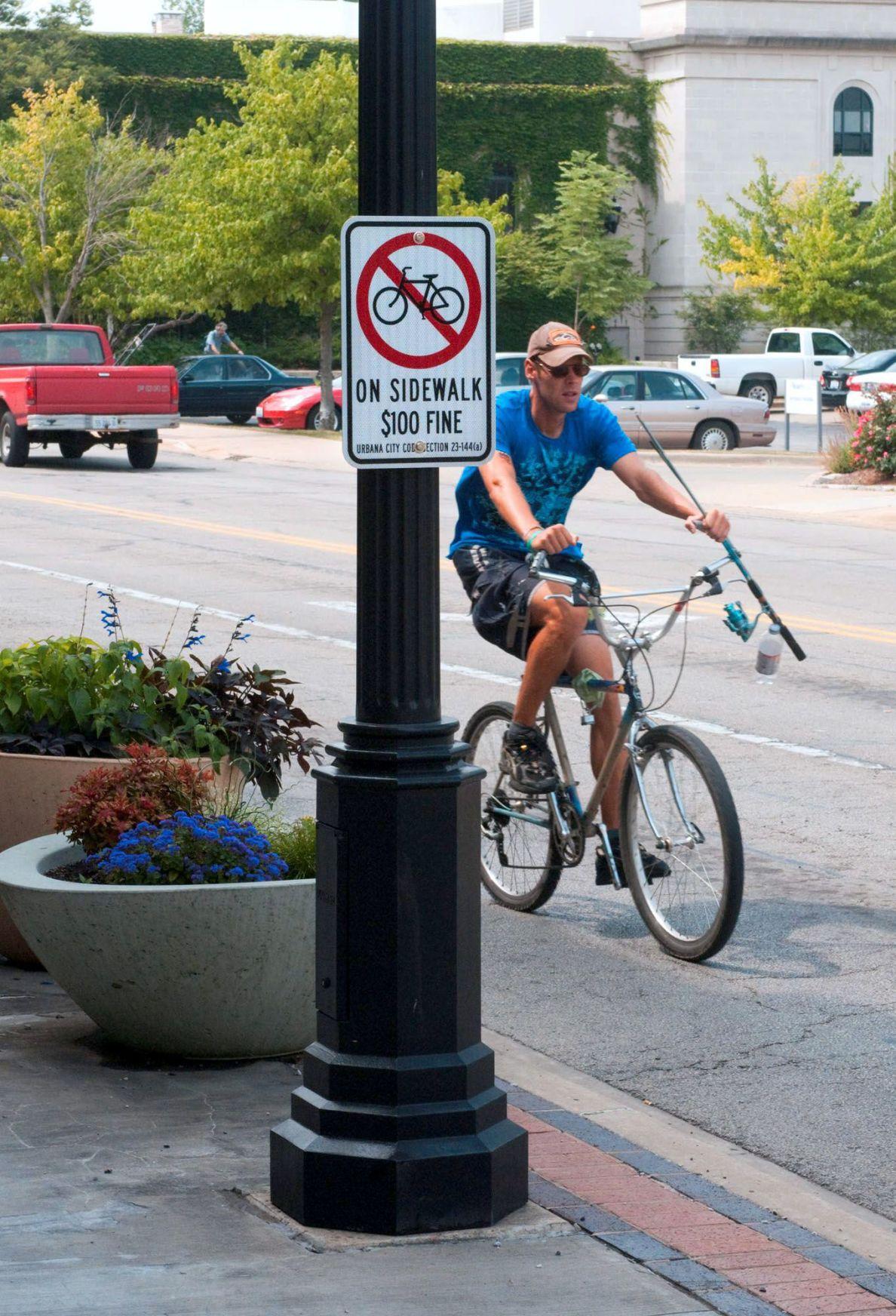 Urbana police ticketing bicyclists for riding on downtown sidewalks