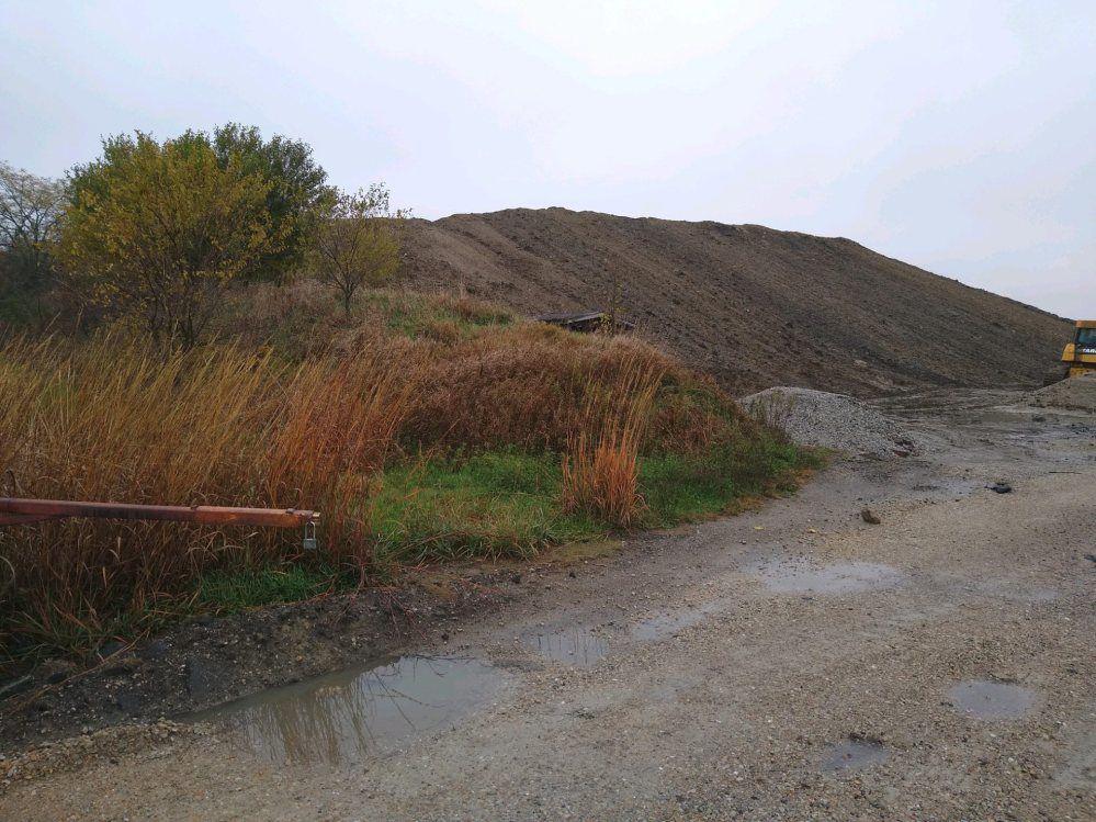 bag Pile of dirt