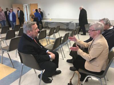 Sen. Durbin doesn't plan to seek U.S. presidency