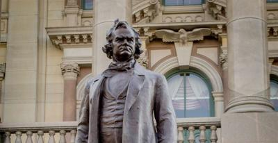 Stephen Douglas statue