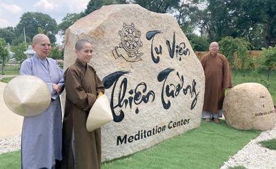 07072021-buddhist-monks