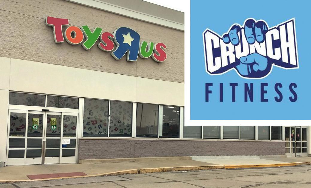 crunch fitness to open location in former toys r us store in champaign business news. Black Bedroom Furniture Sets. Home Design Ideas