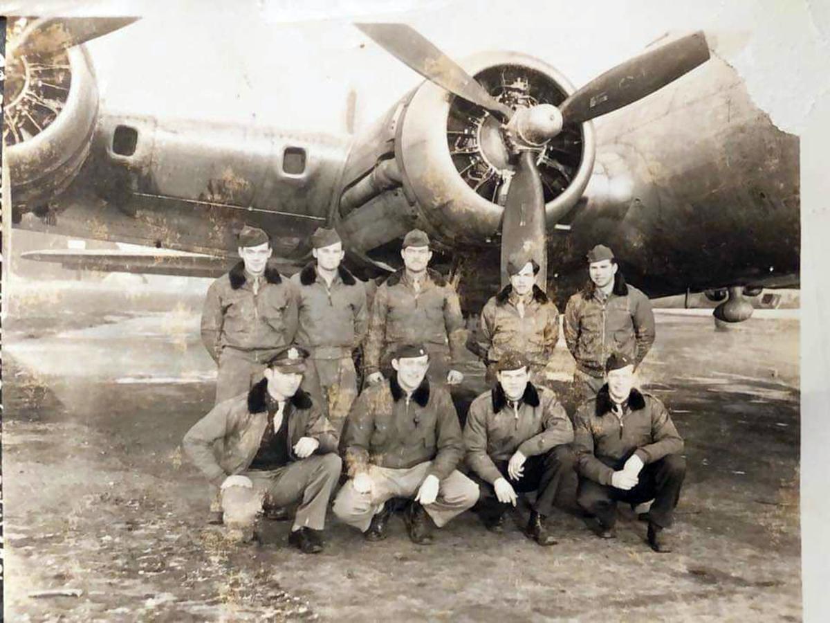 Huffman and B-17 crew.jpg
