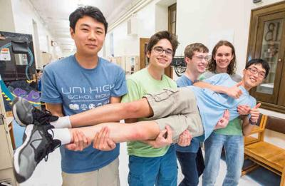 Uni High Quiz Bowl crew's runner-up performance marks U-turn at national level