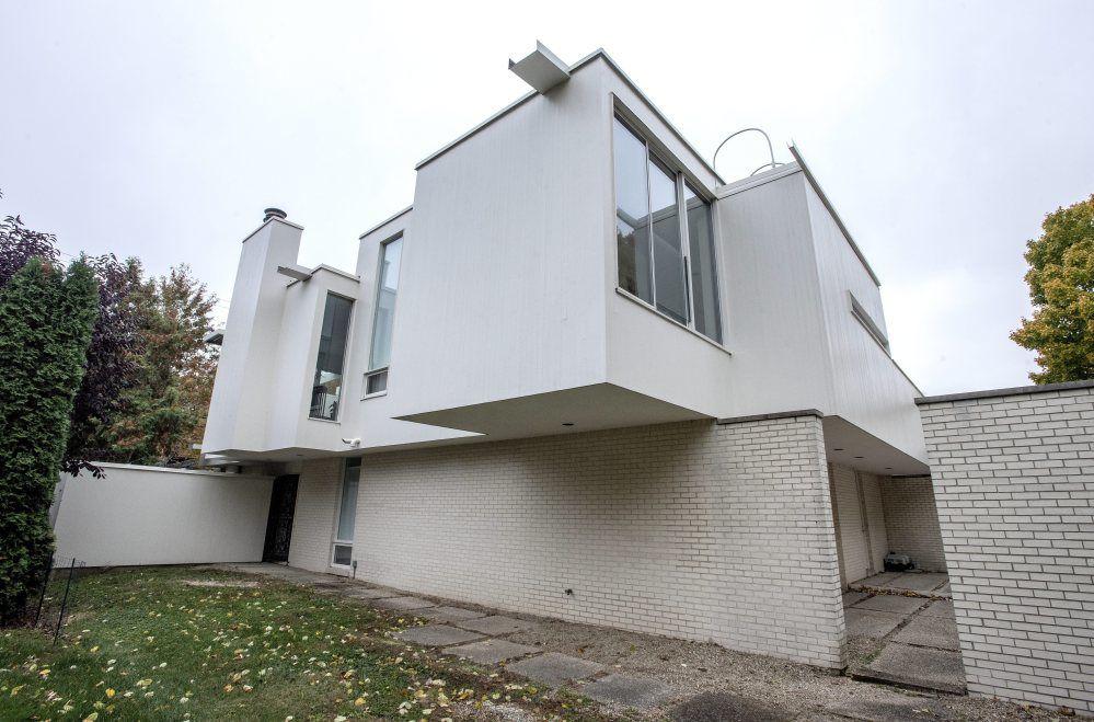 SS Urbana modernist house1