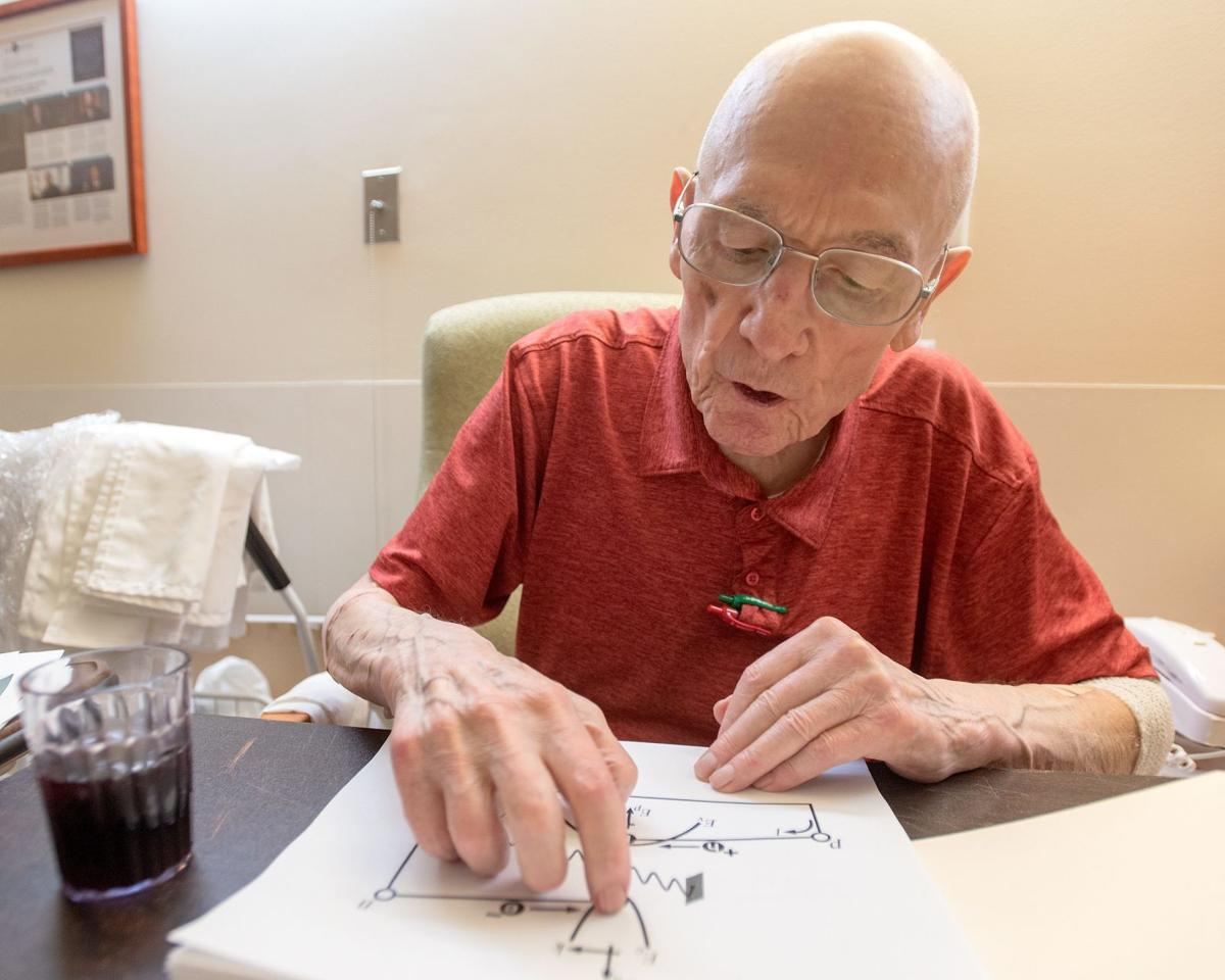 UI lab to be named after engineering icon Holonyak