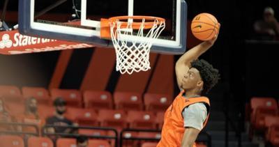 Omar Payne dunk