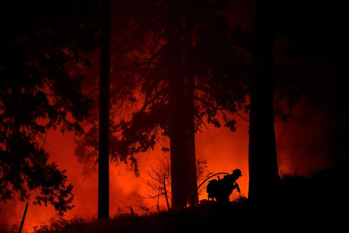 US-NEWS-CALIF-WILDFIRES-SIERRANEVADA-LA