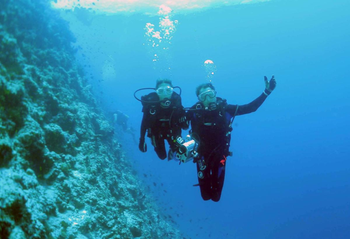 travel-diving