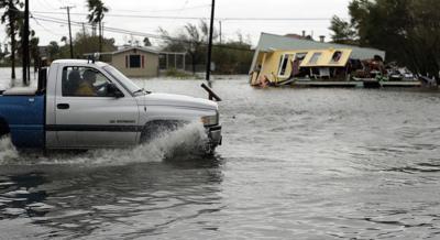 1 Hurricane Harvey death confirmed in Rockport; Houston roads ...
