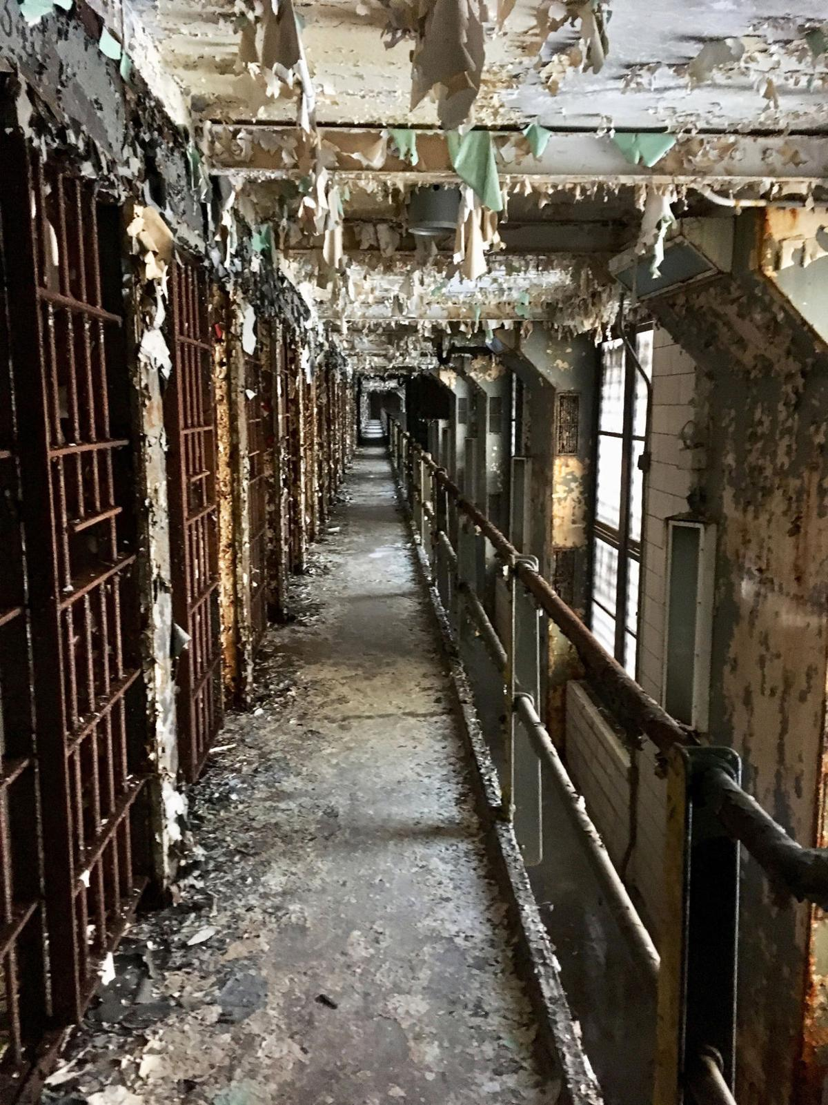 Garage Sales Joliet Il: Where's Jake's Cell? Old Joliet Prison finally Unlocks The