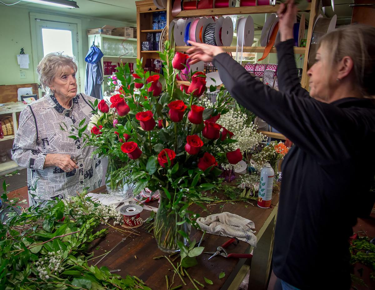 Online competition not causing sales to wilt at Longview flower shops | Local News | news-journal.com