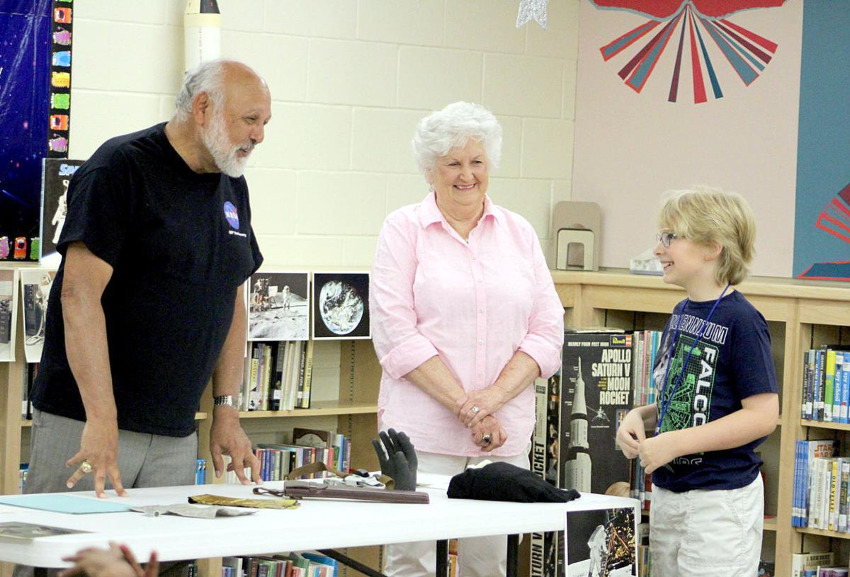 Retired NASA engineer visits Carthage library for summer reading program