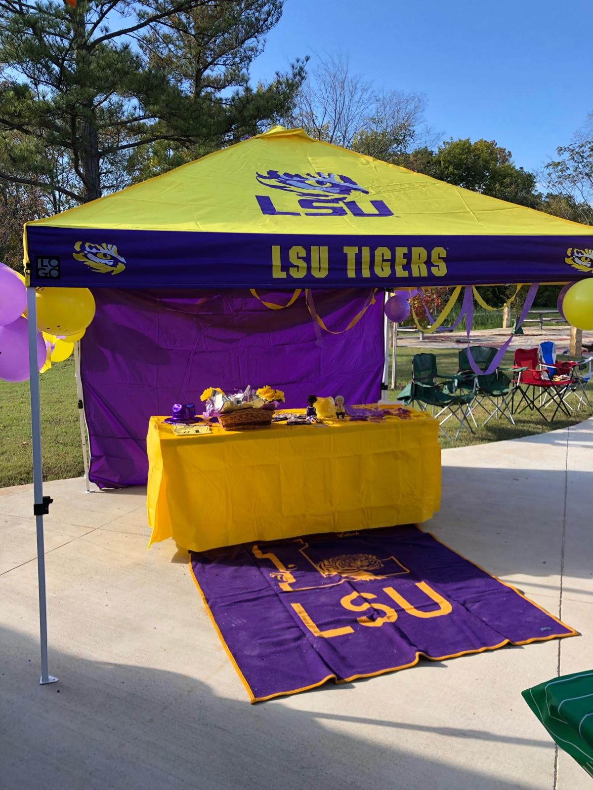 08282019_view_tailgatepic2.png