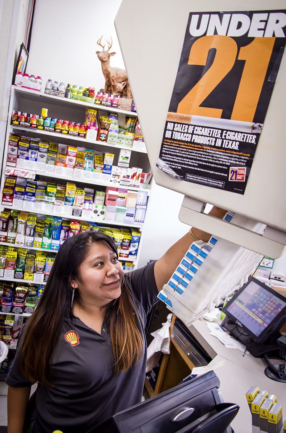 New state laws taking effect Sunday raise tobacco sale age