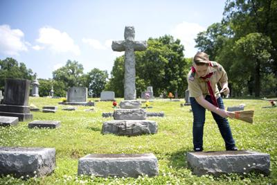 Exchange Documenting Graves