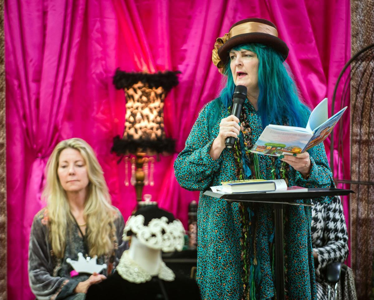 Pulpwood Queens Book Club, Girlfriend Weekend crowns new princess as Murphy steps down