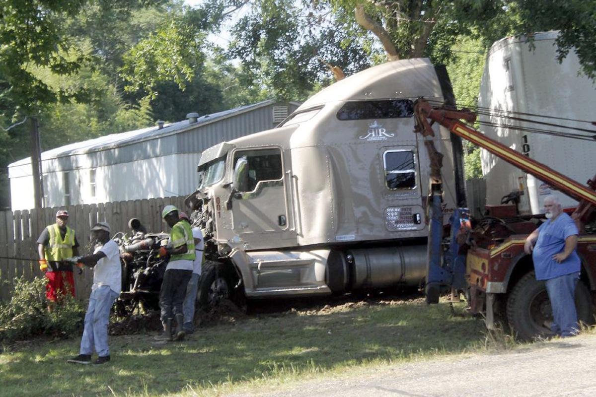 Three vehicle wreck claims four lives in Panola County